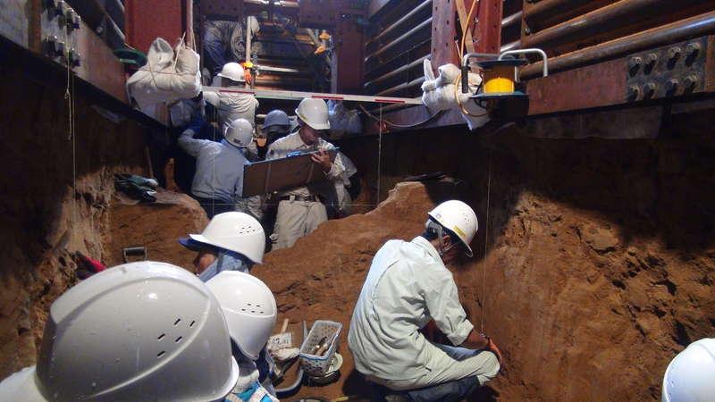 写真:半世紀後の発掘調査